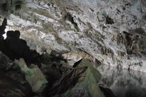 Puong Cave Ba Be Interior