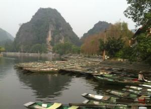 Tam Coc Boatmen