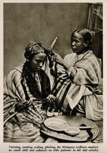 Malagasy Female Hairdresser | © Wellcome Images/Wikicommons